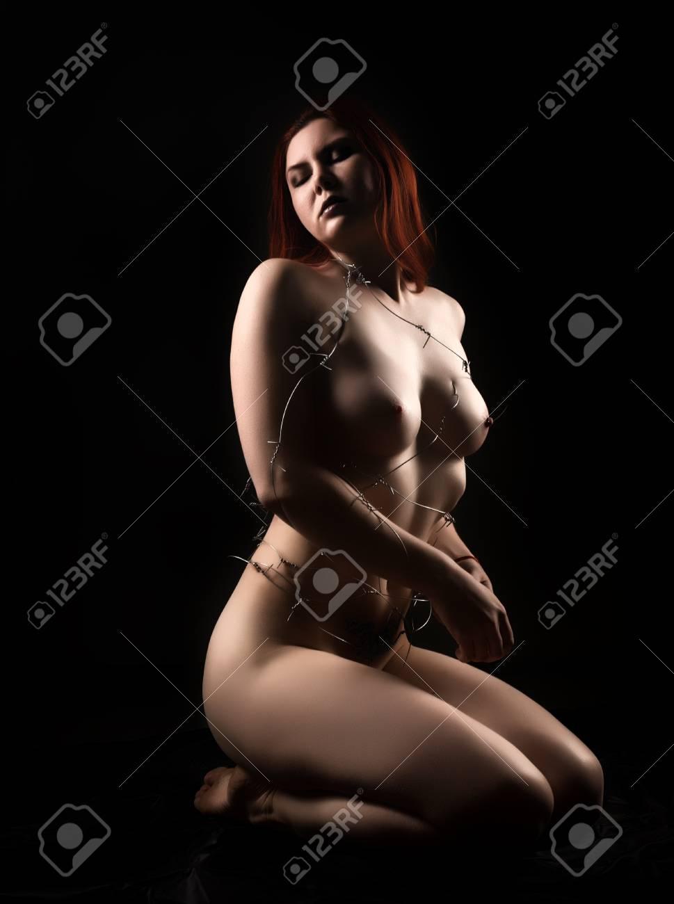 Sexy nackter Schmerz, Nackte Scheidenlippen