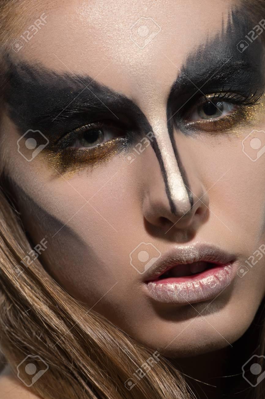 Nina De Maquillaje Negro Creativa Fotos Retratos Imagenes Y - Maquillaje-negro