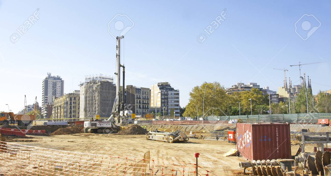 Works in the square of Les Glories of Barcelona - 78212606