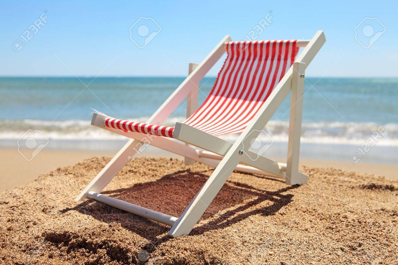 Beach chair near the ocean on sunny day Stock Photo - 9092343