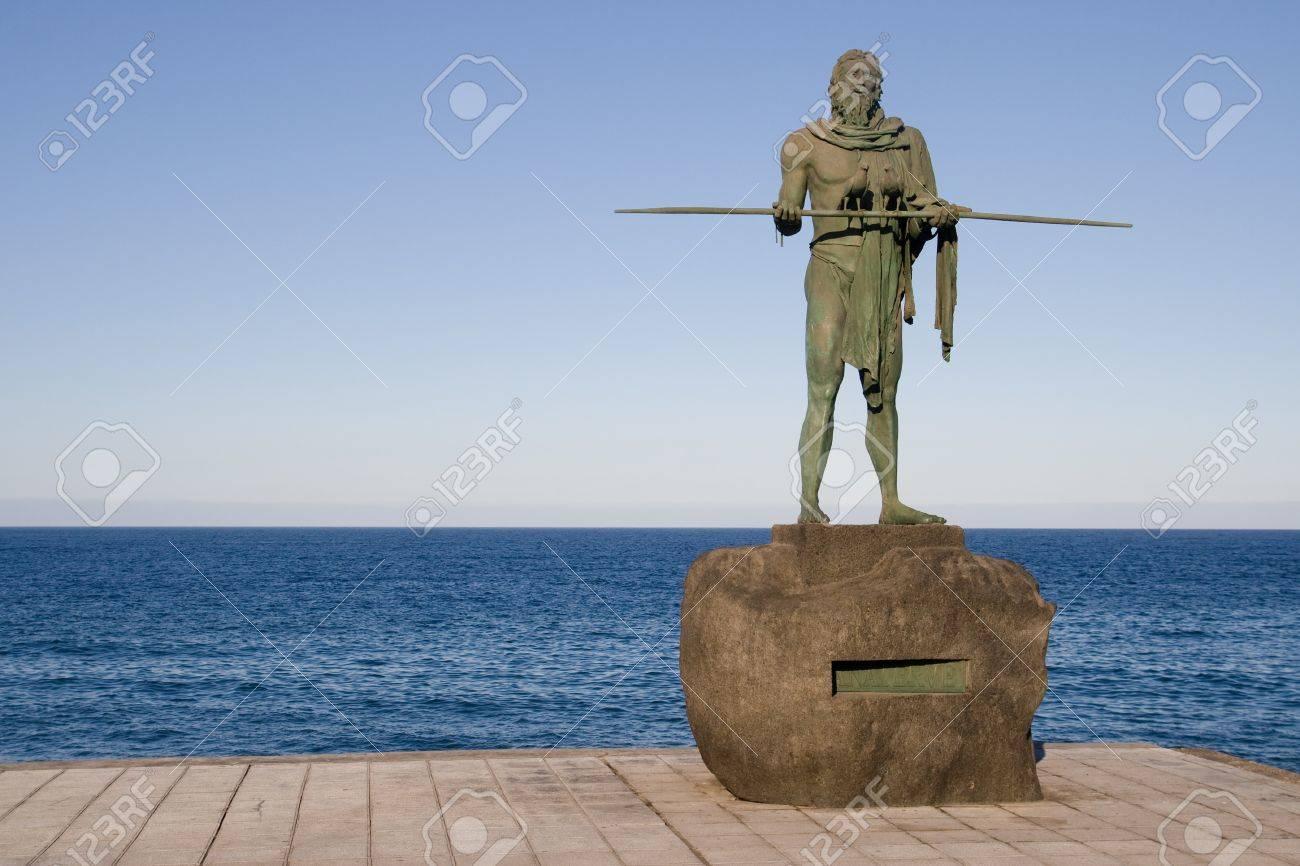 グアンチェ メンツィ カンデラリ...