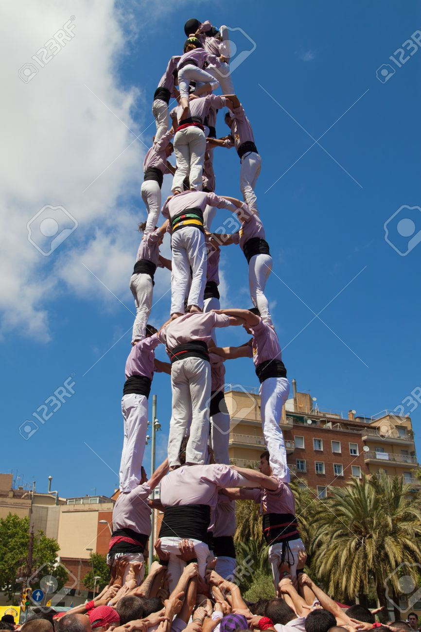 BARCELONA, SPAIN - MAY 4 Minyons de Terrassa forming a human