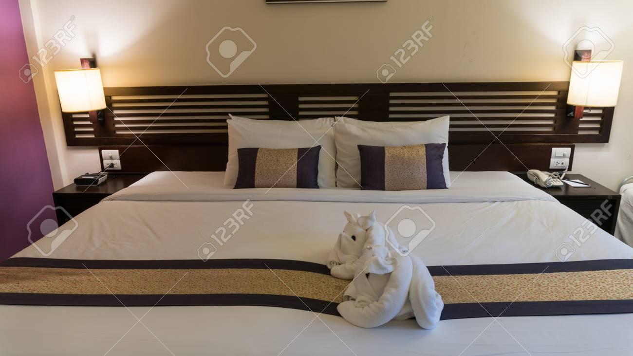 Camera Per Ospiti : Immagini stock letto in località camera pronto per gli ospiti