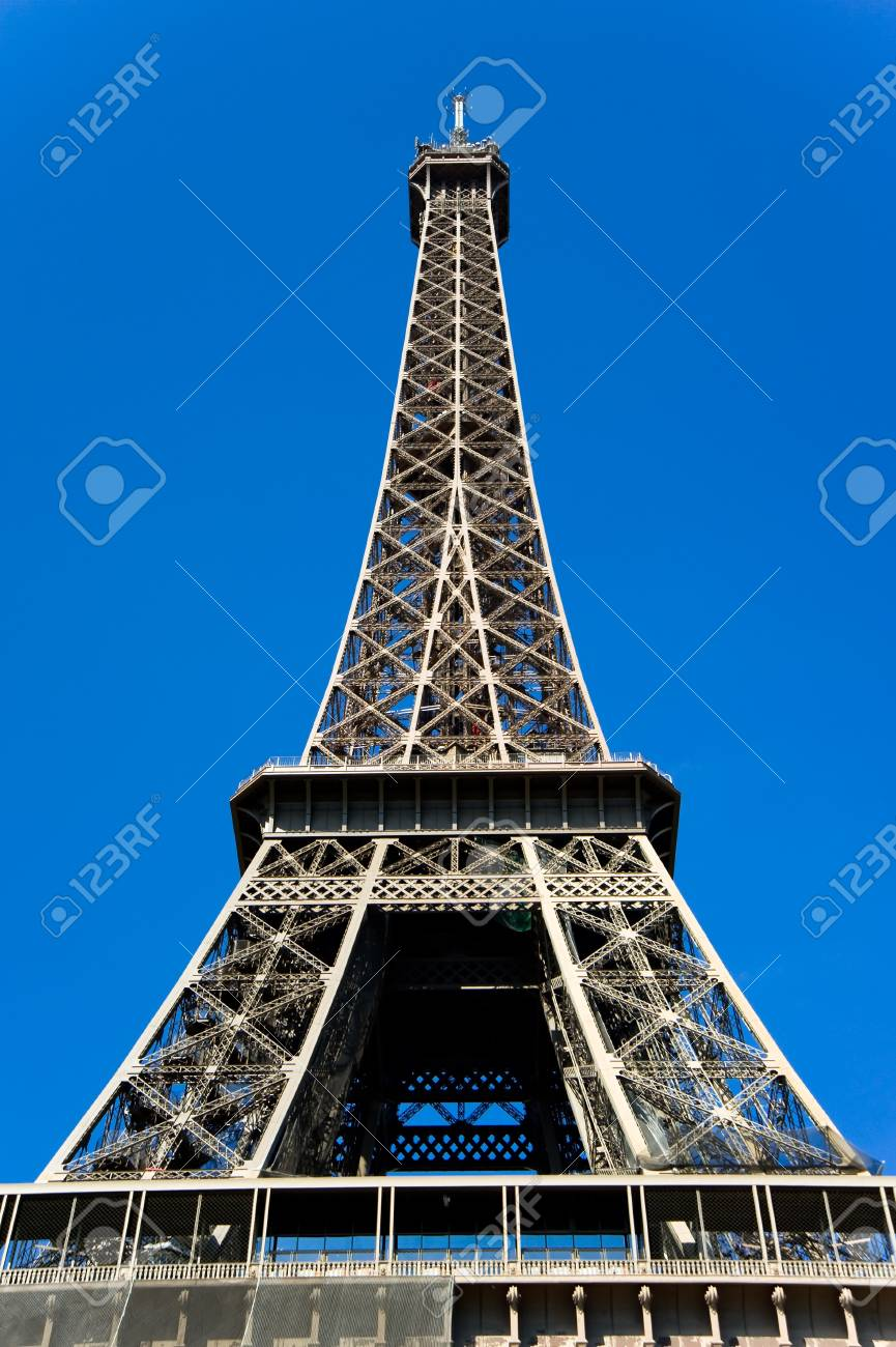 Eiffel tower against blue sky,Paris,France Stock Photo - 11611647