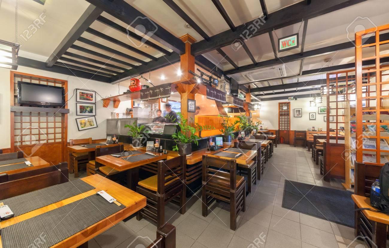 Moskau - Juli 2014: Innenkette Sushi-Restaurant \