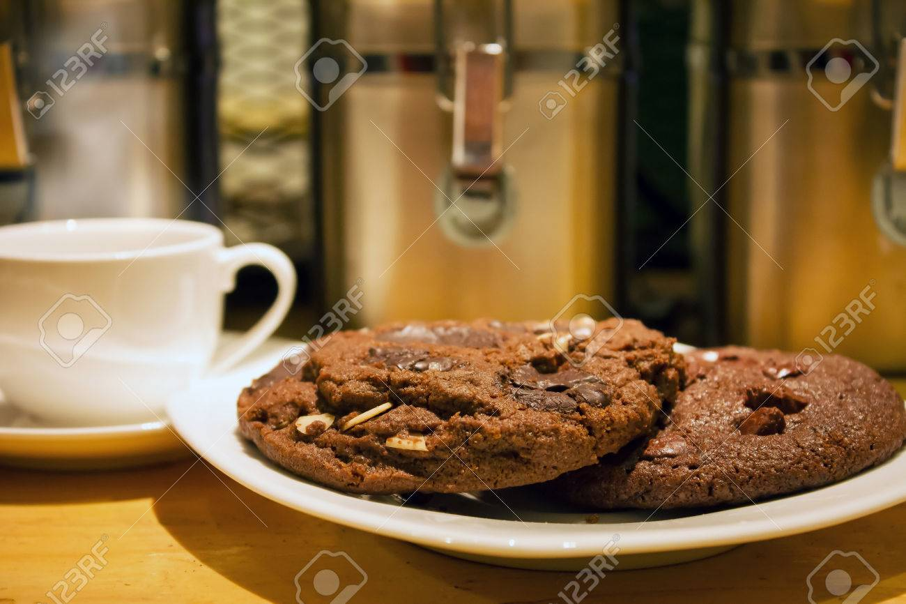 Cookie Coffee Cups Delicious Crunchy Chocolate Chip Cookies Served On A Plate With