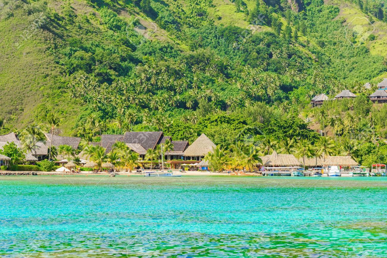 PAPEETE, POLYNESIA FRANCESE - 11 MAGGIO 2017: Il bei mare e località di  soggiorno nell\'isola di Moorea a Tahiti PAPEETE, POLINESIA FRANCESE.