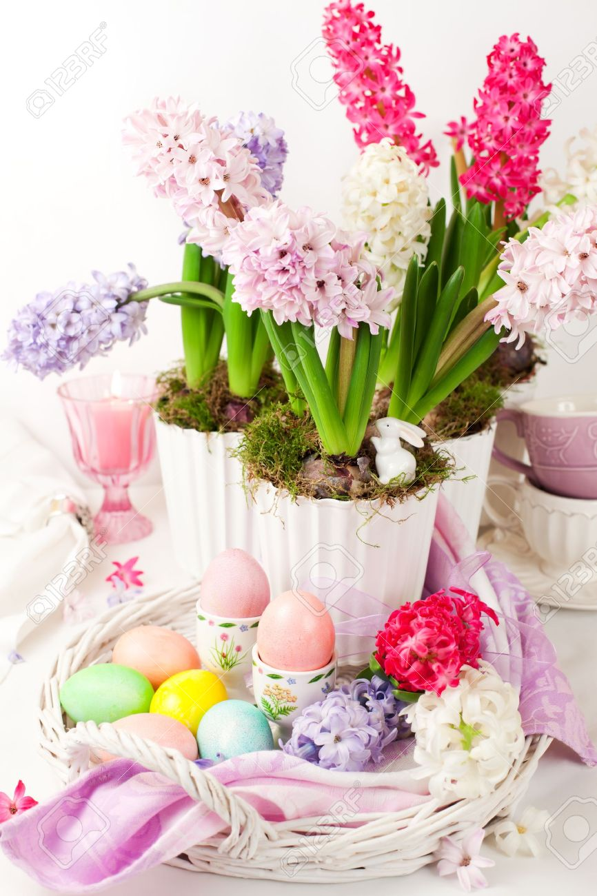 Easter table arrangement with hyacinths and eggs Stock Photo - 12510301
