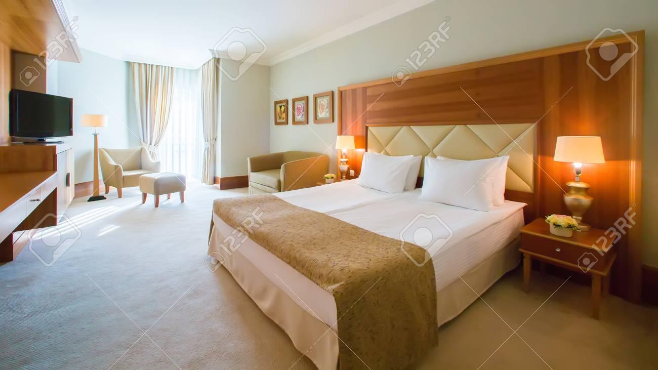 Das Design Der Innenräume. Die Große Moderne Schlafzimmer ...