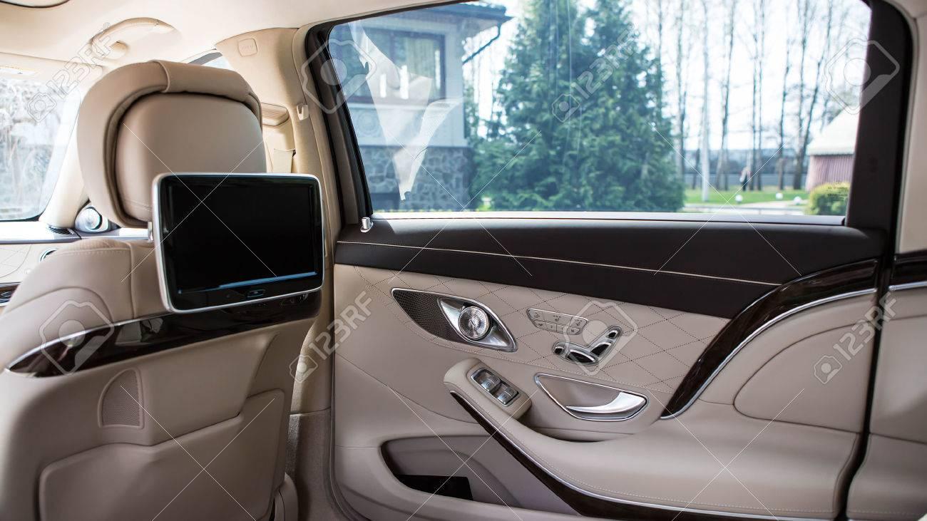 Luxury car interior details. Shallow DOF - selective focus Standard-Bild - 39181233