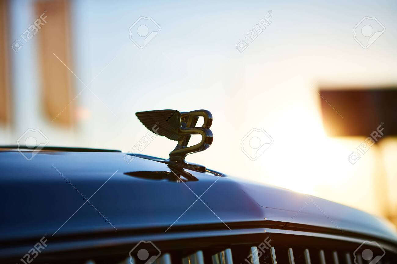 Kyiv Ukraine October 02 2019 Bentley Logo On The Hood Of Stock Photo Picture And Royalty Free Image Image 133326015