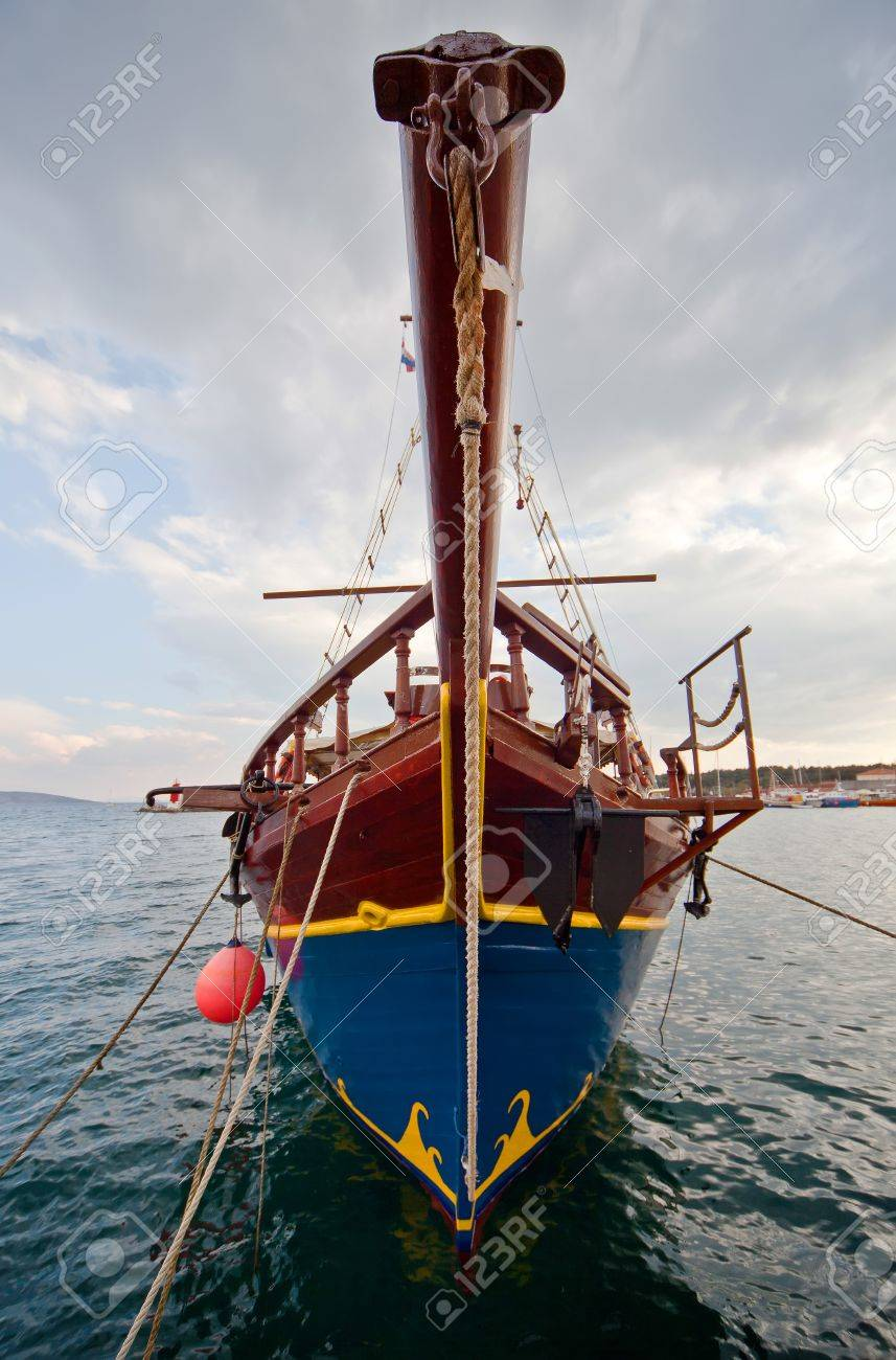 Wide angle shot of old ship Stock Photo - 75977786