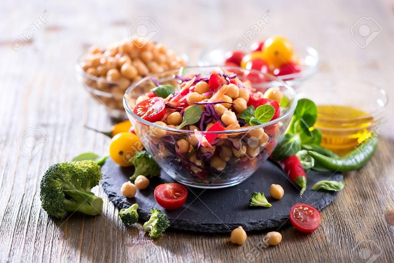 Healthy homemade chickpea and veggies salad, diet, vegetarian, vegan food, vitamin snack - 70954218