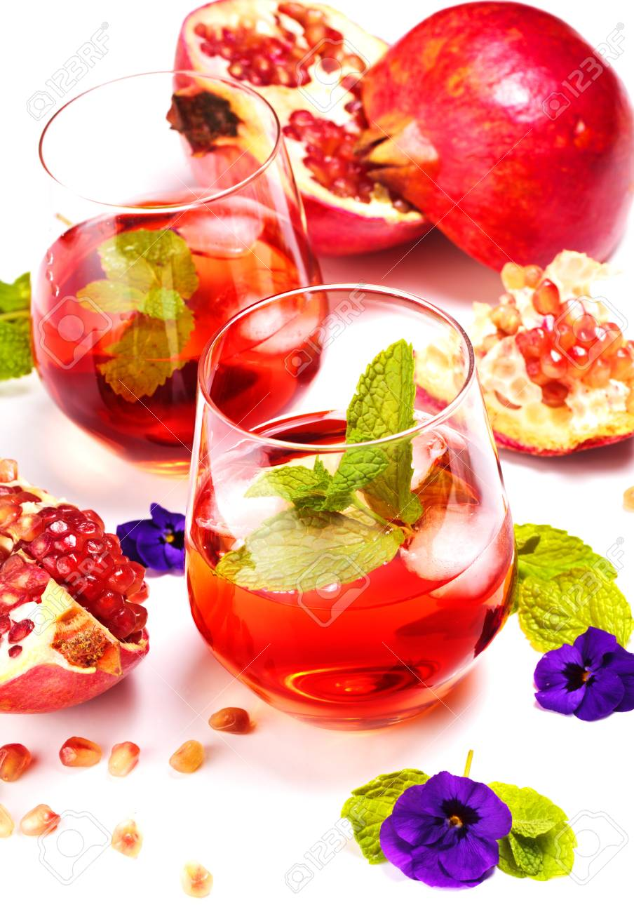 Fresh pomegranate juice with peppermint Stock Photo - 12799378