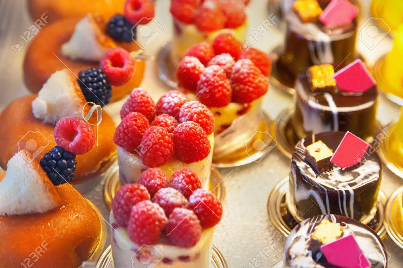 Cakes - 44953578