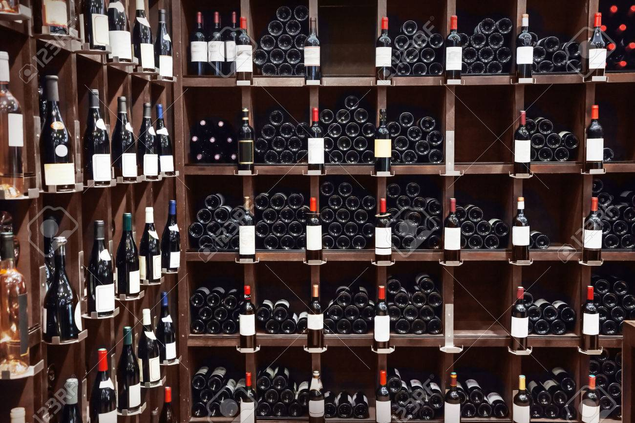 Wine shop - 47751512