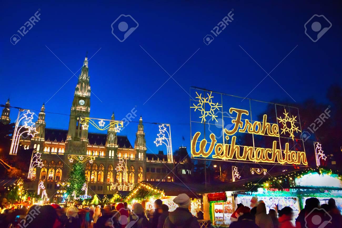 Christmas market in Vienna - 88265047