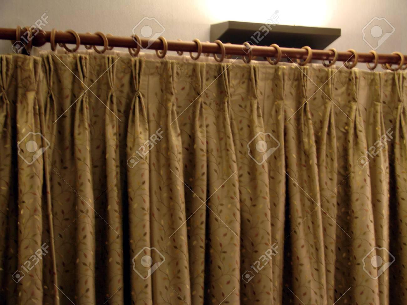 Rideau Décoratif Pour La Porte Et Fenêtre Dans Une Maison Banque D ...
