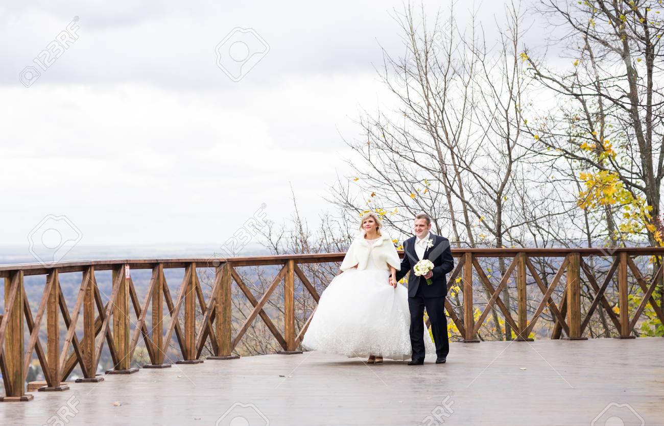 Schone Hochzeit Paar Auf Ihrem Winter Hochzeit Lizenzfreie Fotos
