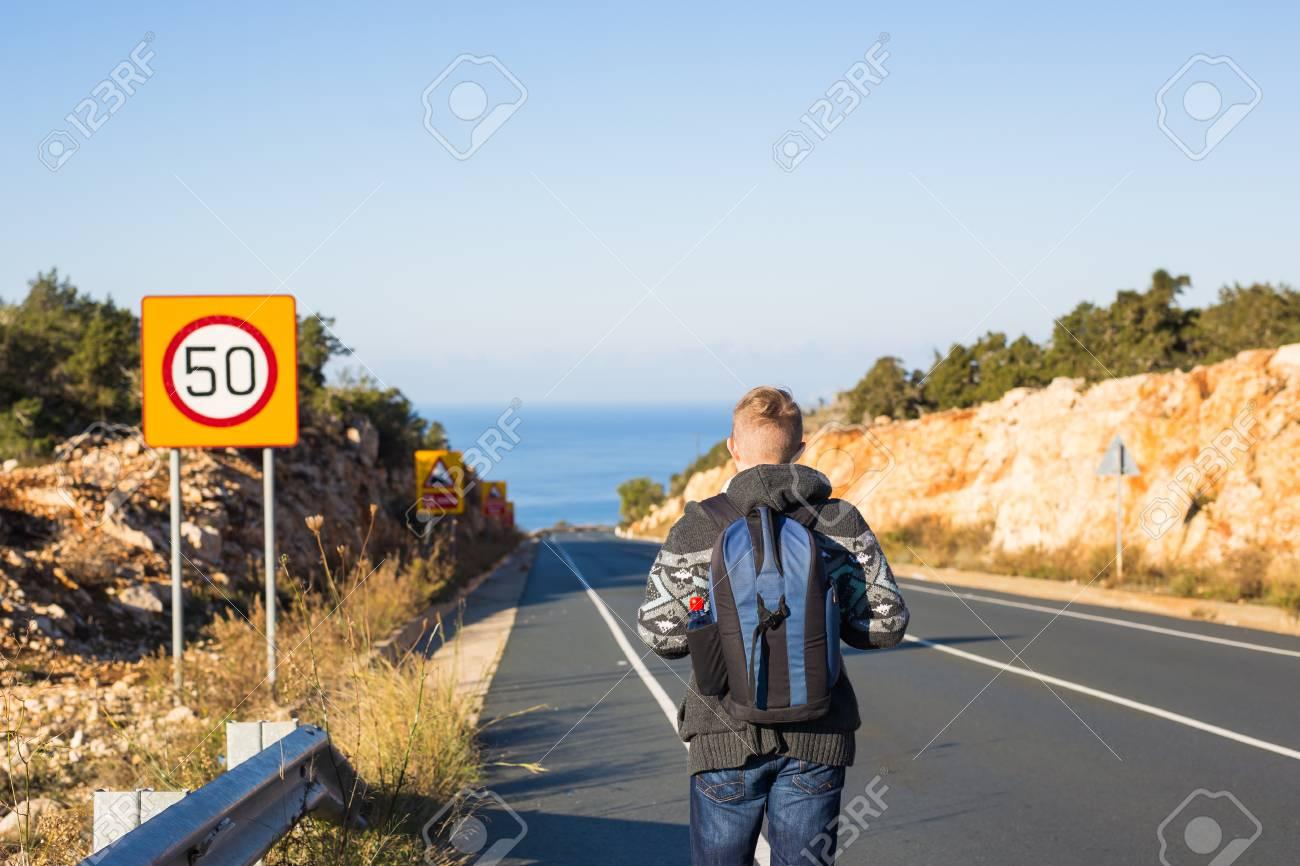 Homme PersonnesVoyages À Tourisme Sac Avec Dos Se Et Promène Sur 9DIWYEH2