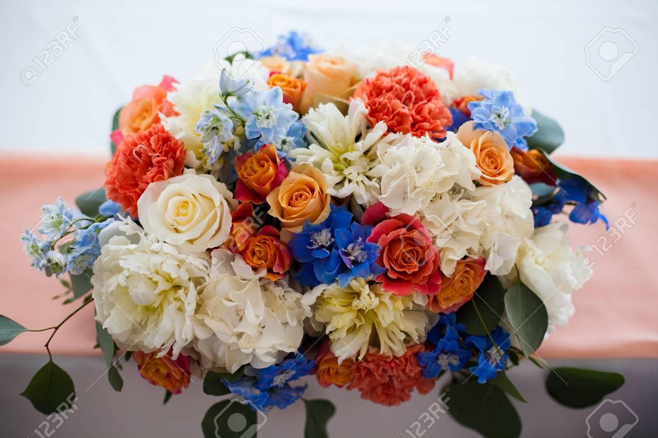 Hochzeit Gedeckten Tisch Mit Blumen Blau Weiss Rot Lizenzfreie