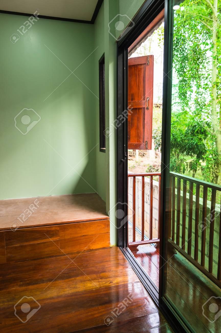 Habitación Vacía Y Terraza Del Interior Decorar El Hogar
