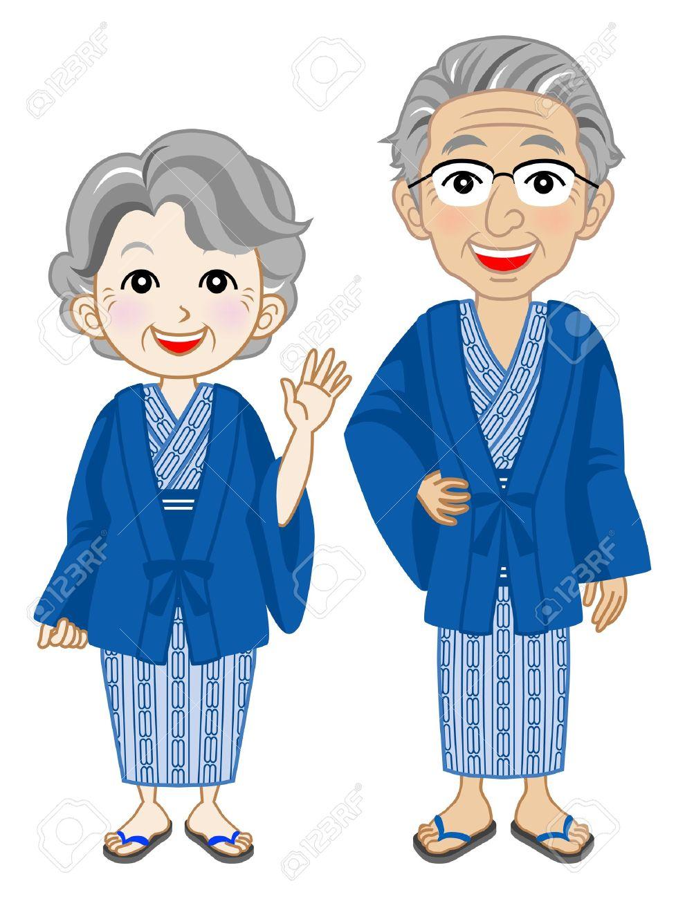 年配のカップルを身に着けて浴衣、日本の温泉を着用します