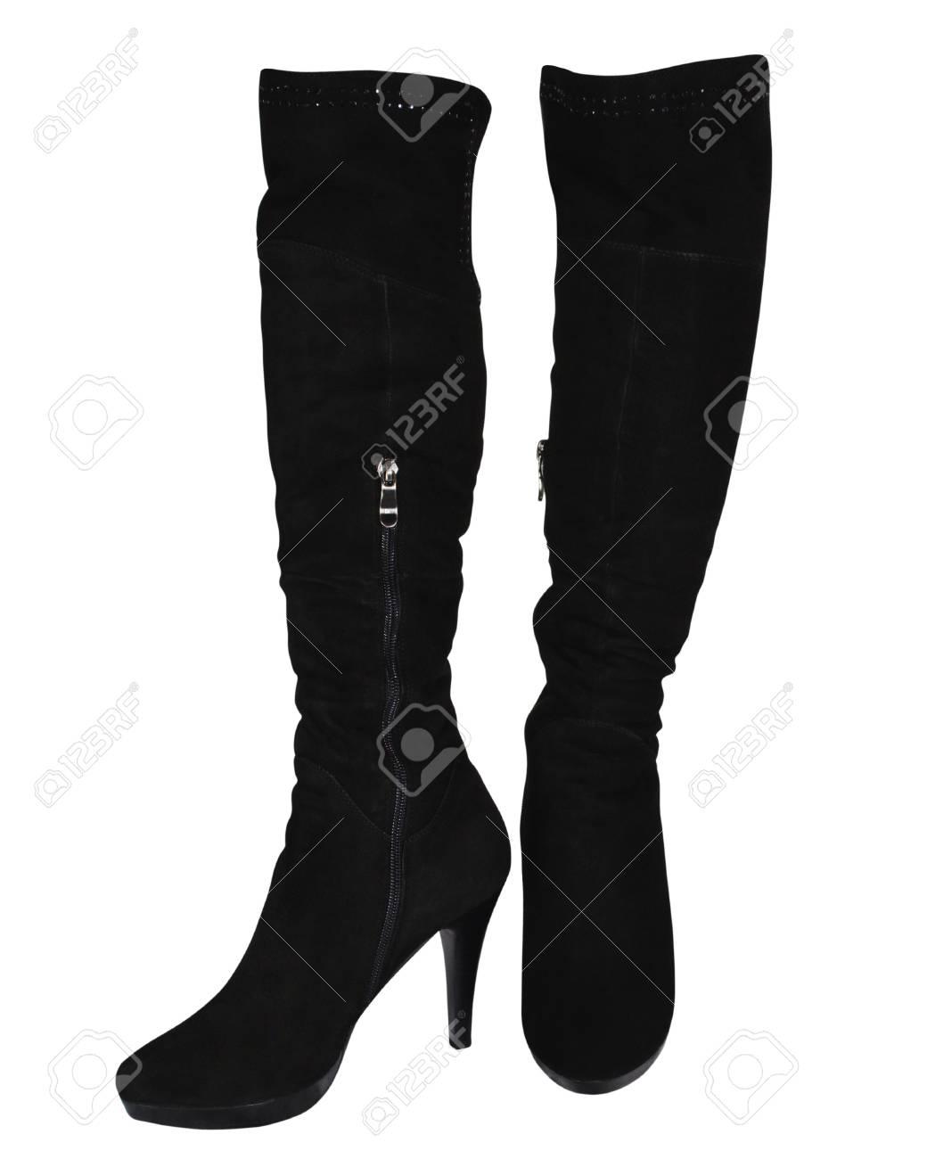 liberar información sobre estilo distintivo la venta de zapatos Las botas femeninas de color negro sobre un tacón alto aislados sobre un  fondo blanco