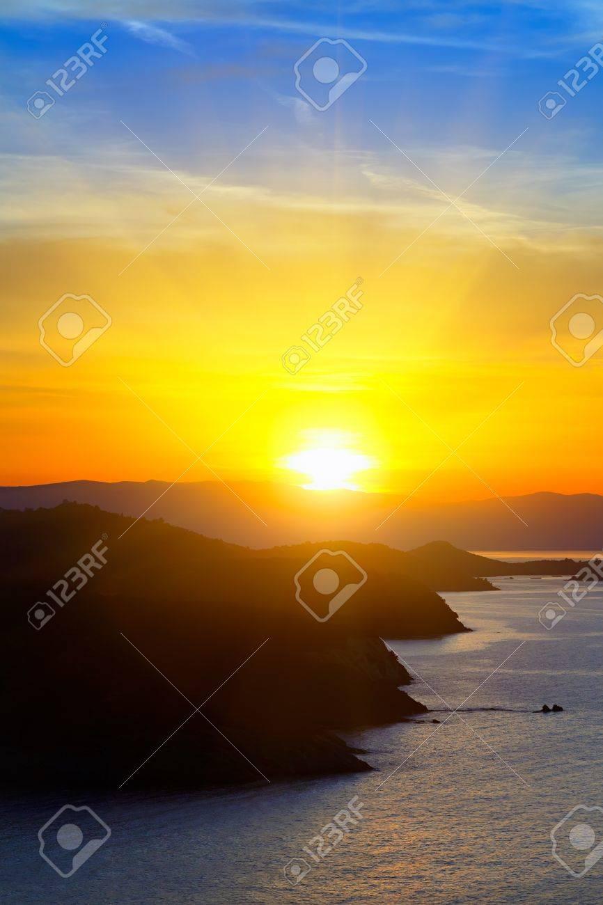 Sunrise over sea Stock Photo - 9196274