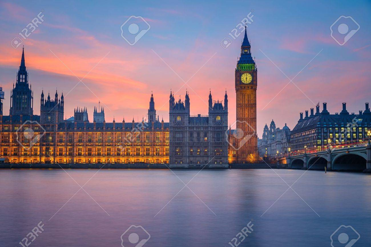 Big Ben and Houses of parliament at dusk - 21711163