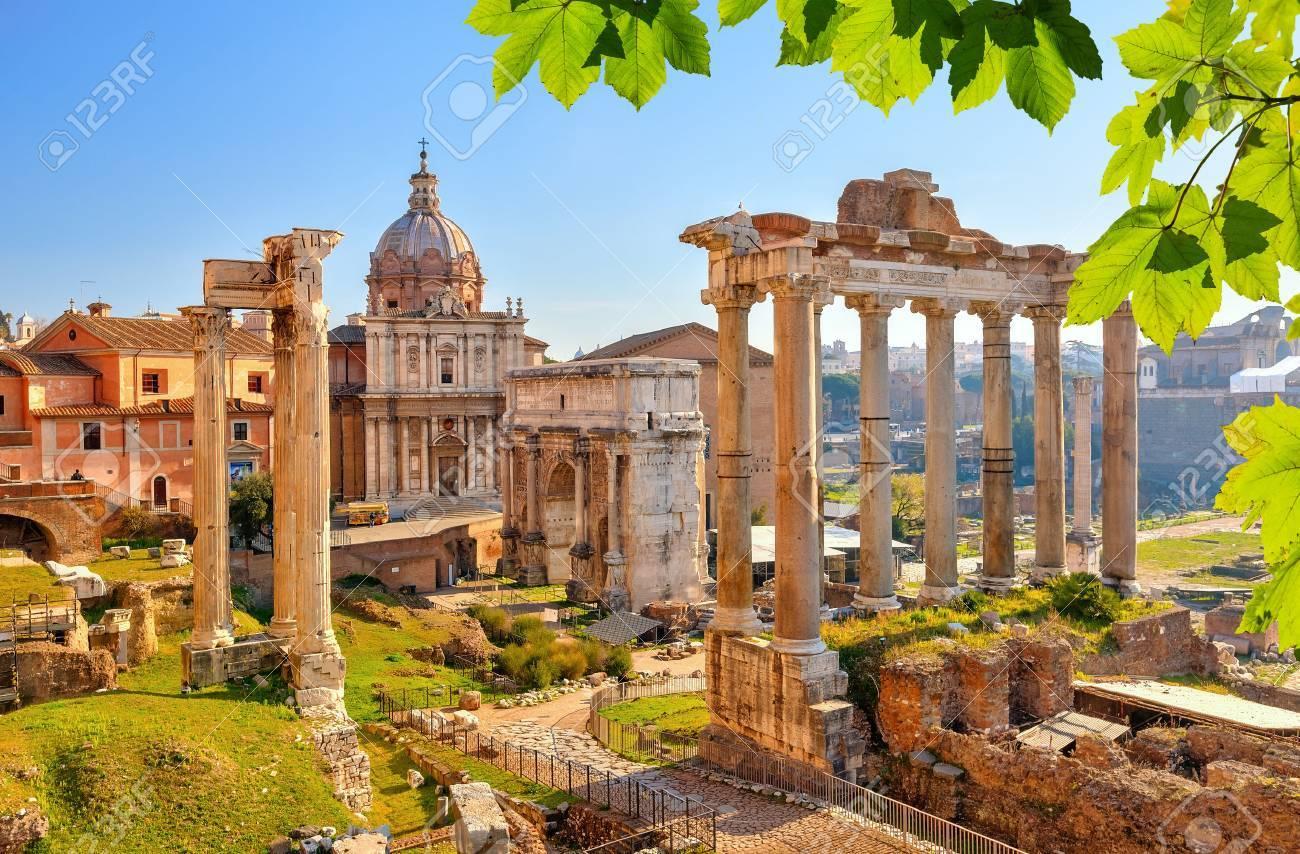 Ruines romaines à Rome, Forum Banque d'images - 37661222