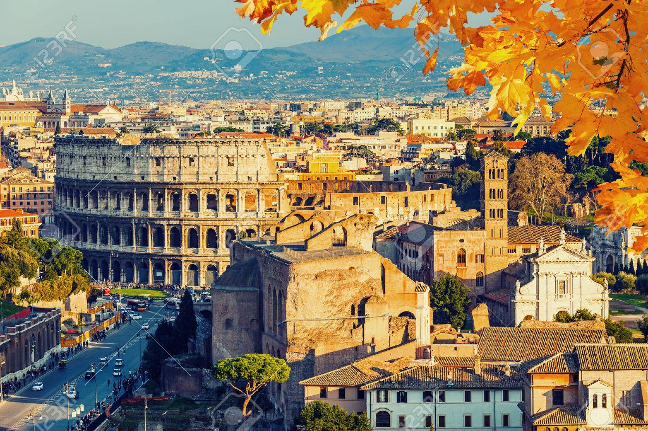 Voir le Colisée, à Rome, Italie Banque d'images - 44901187