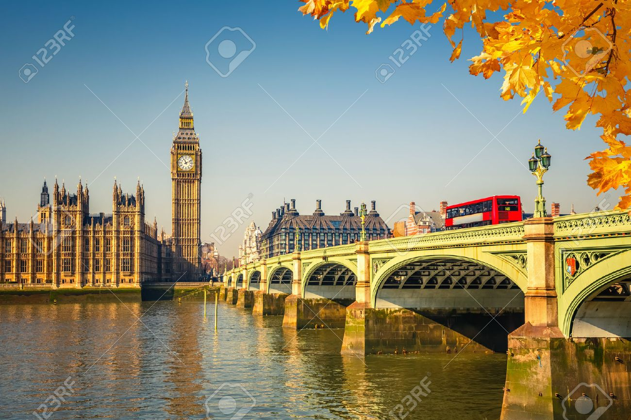Big Ben et le pont de Westminster à Londres Banque d'images - 45527557