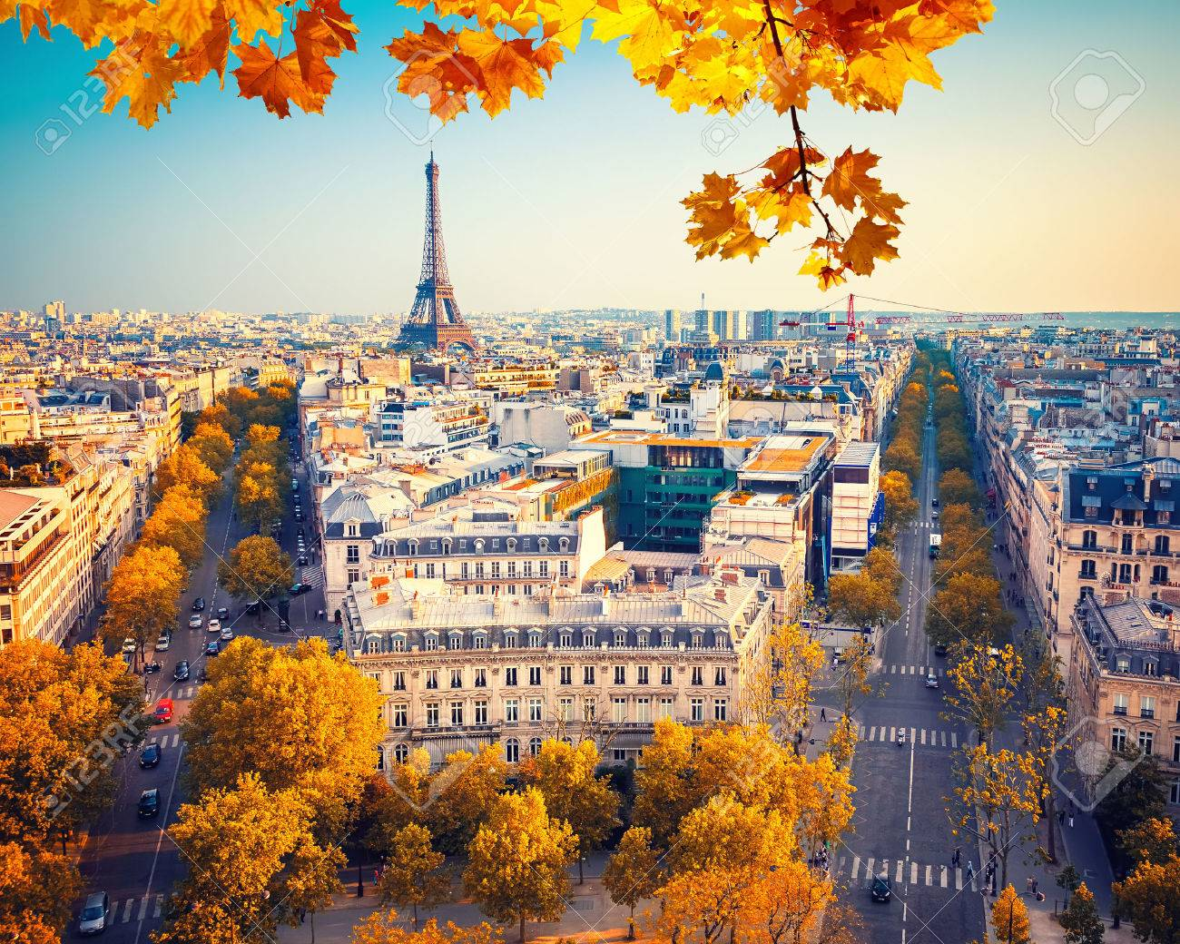 Vue sur la tour Eiffel au coucher du soleil, Paris, France Banque d'images - 46043848