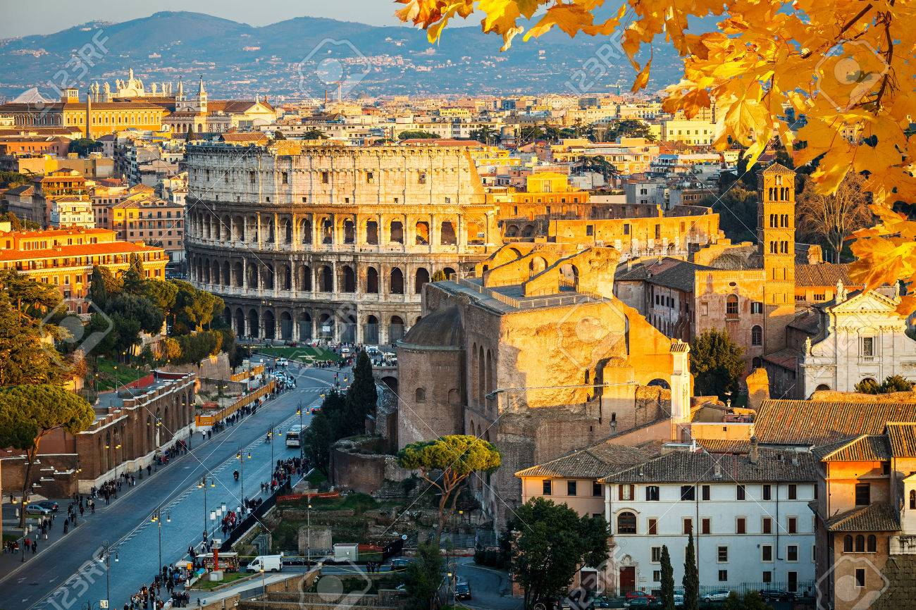 View on Colosseum in Rome, Italy Banque d'images - 46043987