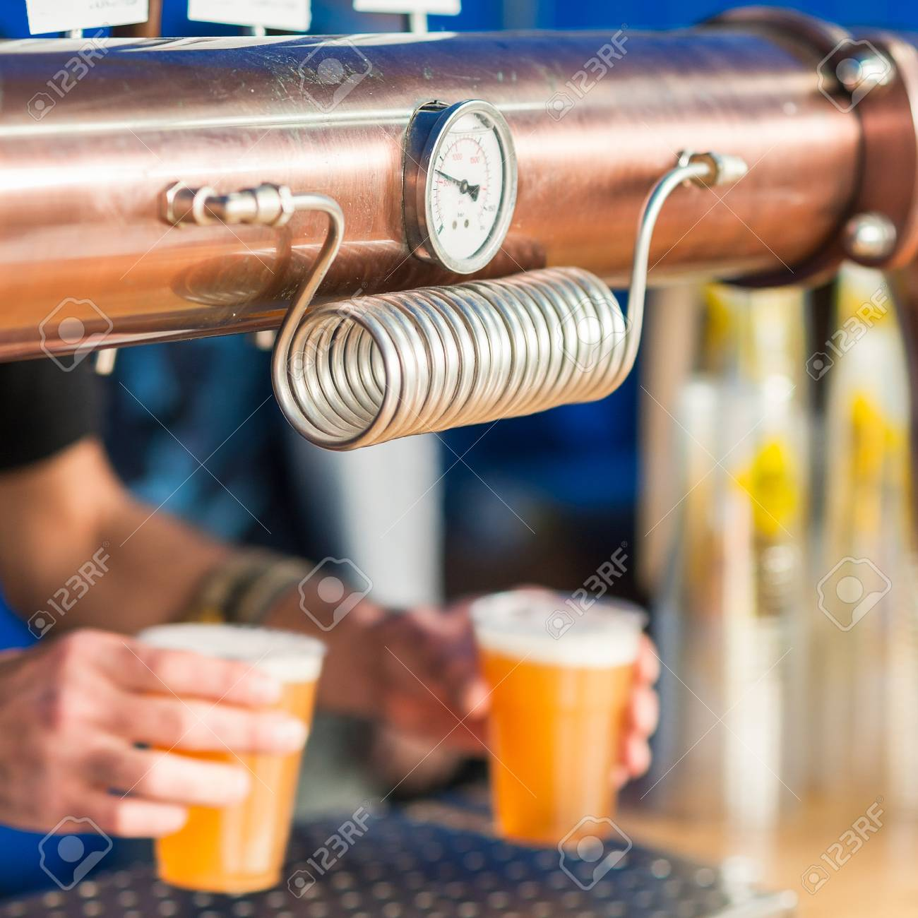 blonde barman pipe