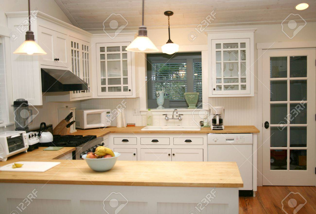 Gourmet Kitchen White Country Gourmet Kitchen Stock Photo Picture And Royalty