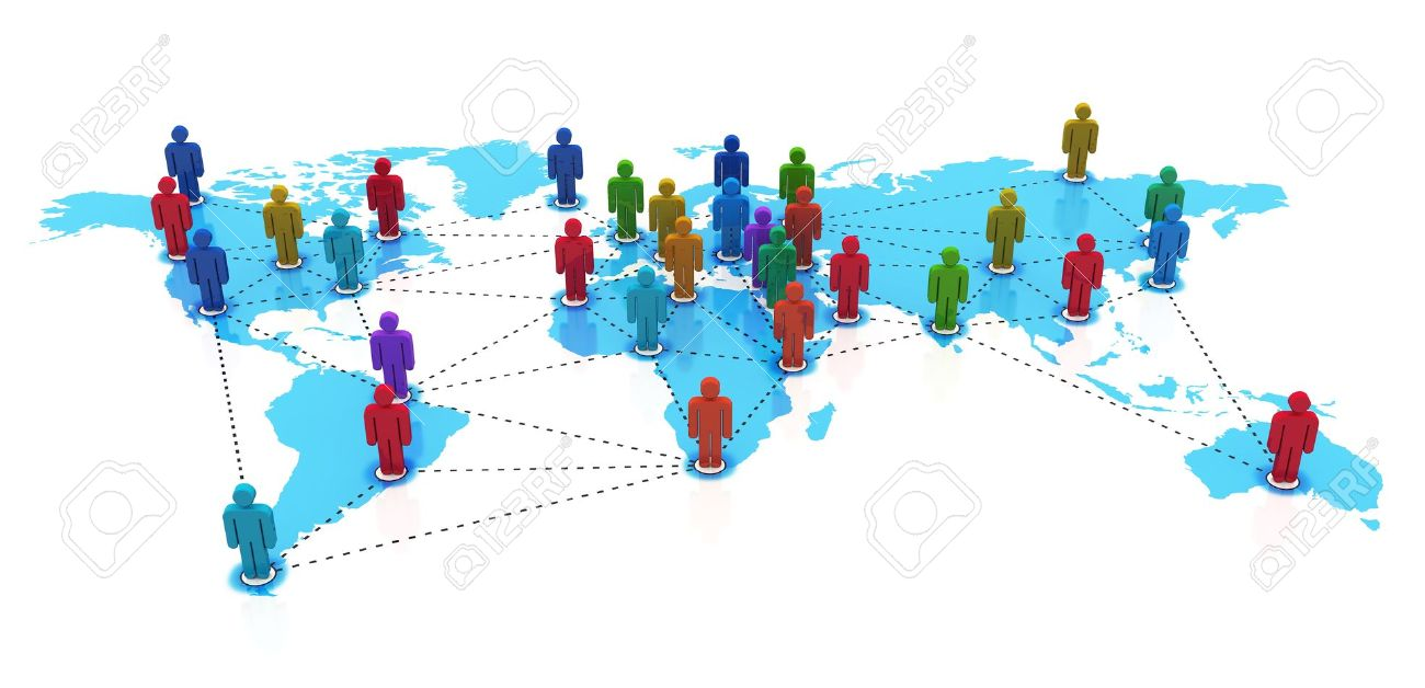 Concept de réseau social: groupe de couleur des figures humaines sur la carte du monde bleu isolé sur fond blanc Banque d'images - 12608711
