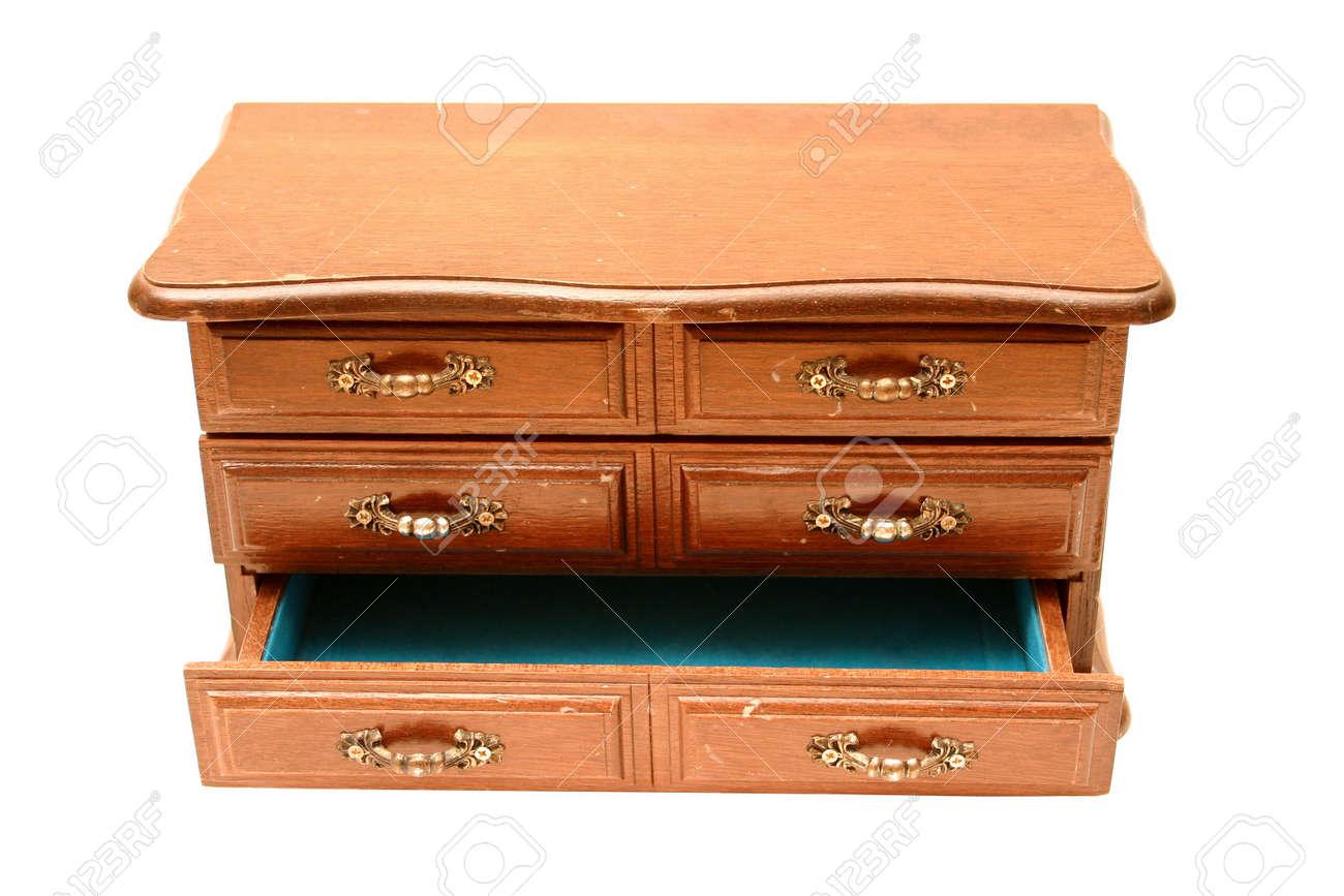 miniatur-kommode aus holz, unten schublade öffnen. lizenzfreie fotos