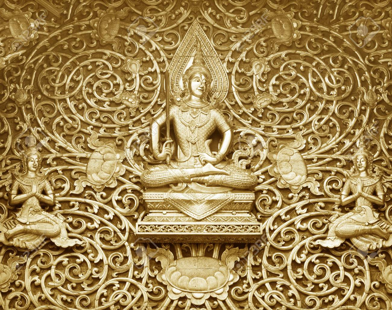 Wood Carving Buddhist Temple Door Public Places Of Buddhist Worship ...