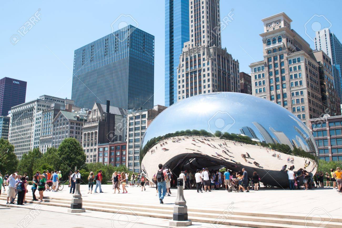 Cloud Gate, The bean at Millennium Park, Chicago on June 9, 2012 Stock Photo - 14338853