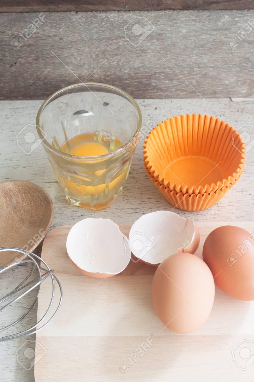Zutaten Und Werkzeuge Um Einen Kuchen Eier Backerei Tassen Auf