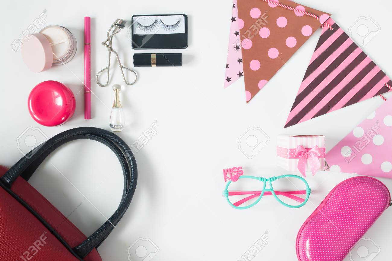 0b8054e8890 Overhead View Of Essential Beauty Items