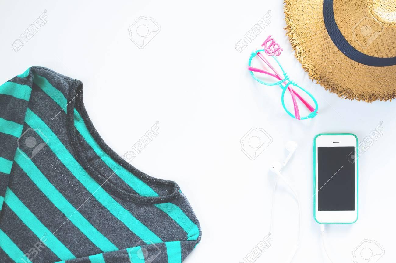 Planas Ropa Y Accesorios Femeninos Laicos Collage Con La Camiseta ...