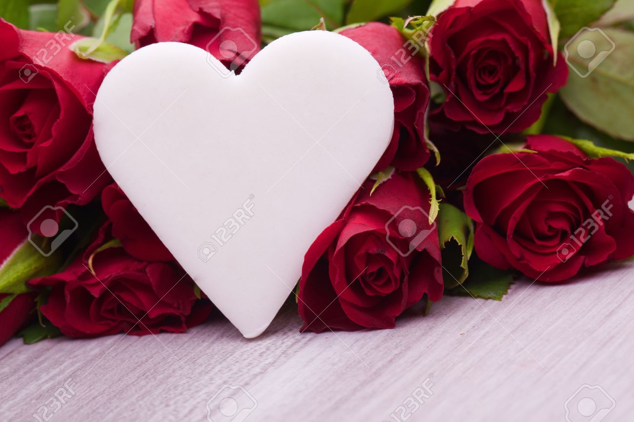 Rote Rosen Mit Herz Dekoration Fur Die Hochzeit Muttertag Und