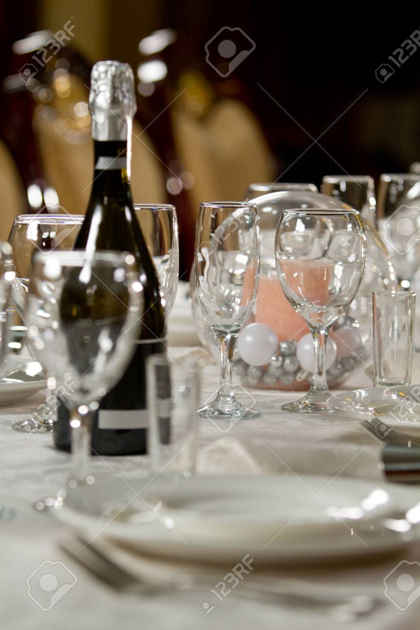 Fine Crystal Table Setting at a Restaurant Stock Photo - 25254558 & Fine Crystal Table Setting At A Restaurant Stock Photo Picture And ...