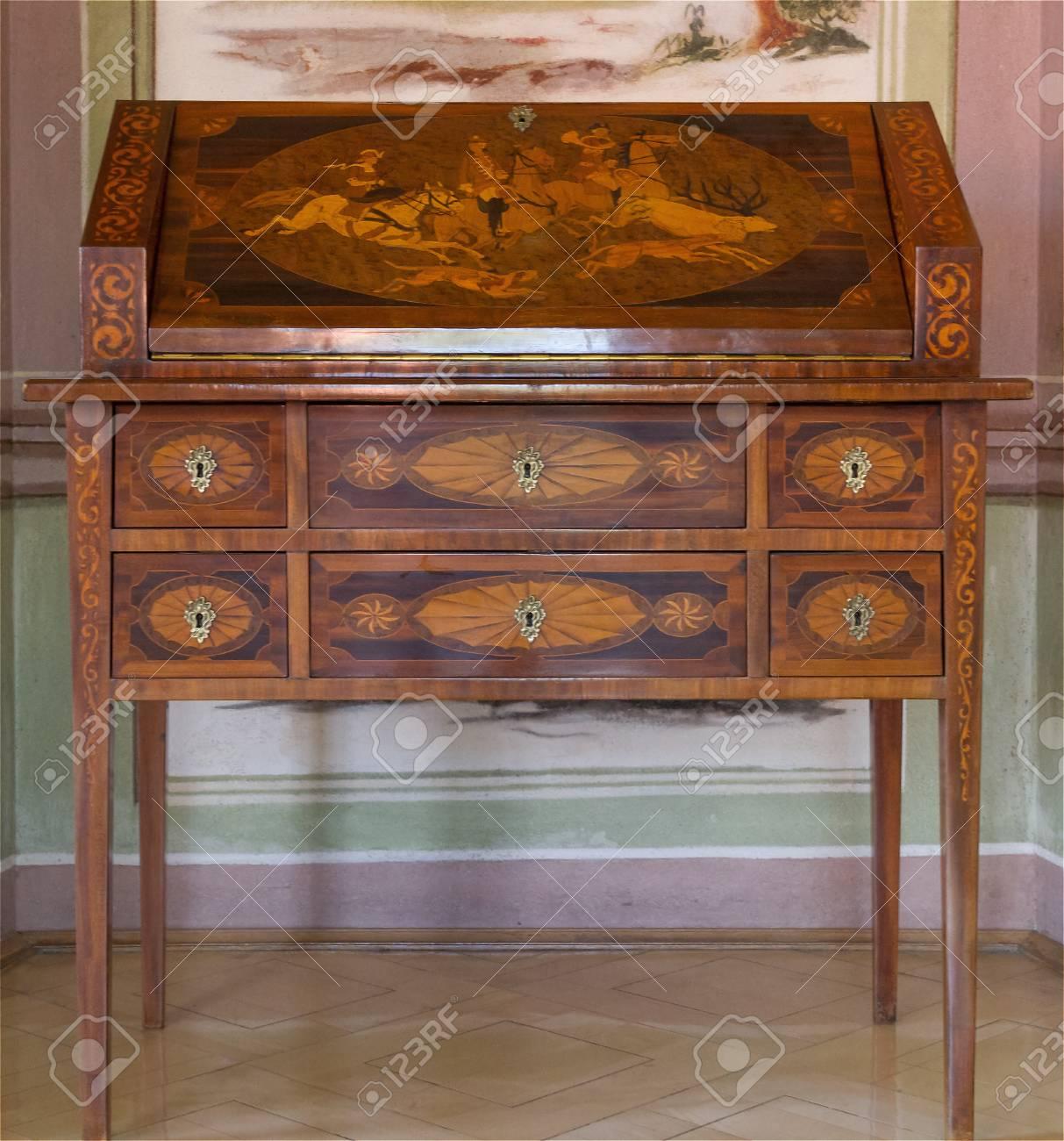 Antike Möbel Die Sekretärin Lizenzfreie Fotos Bilder Und Stock
