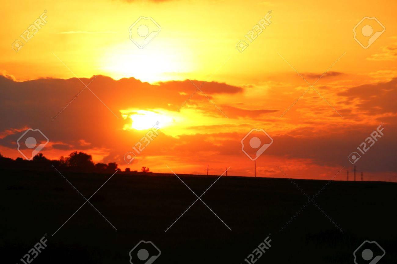 Sunset sky - 58113160