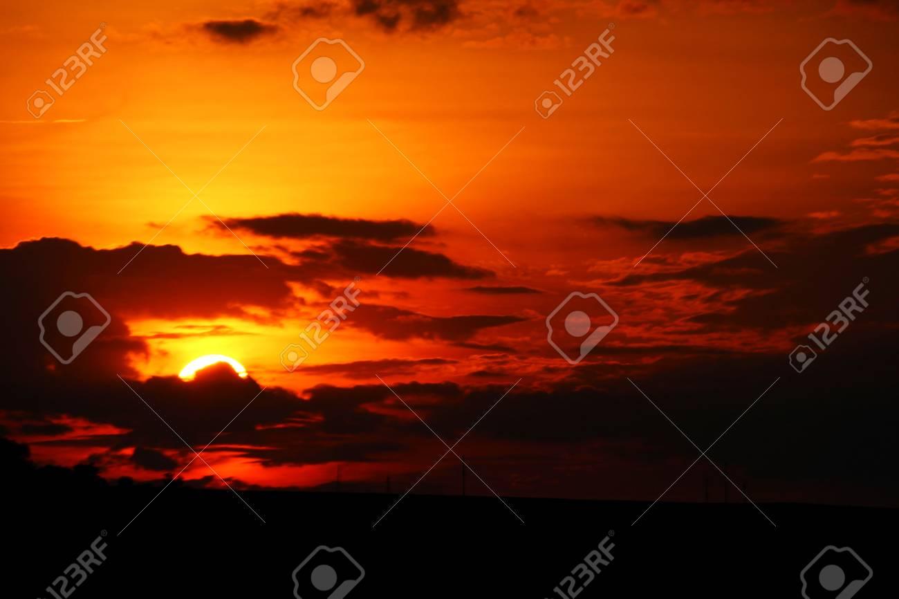 Sunset sky - 58113162