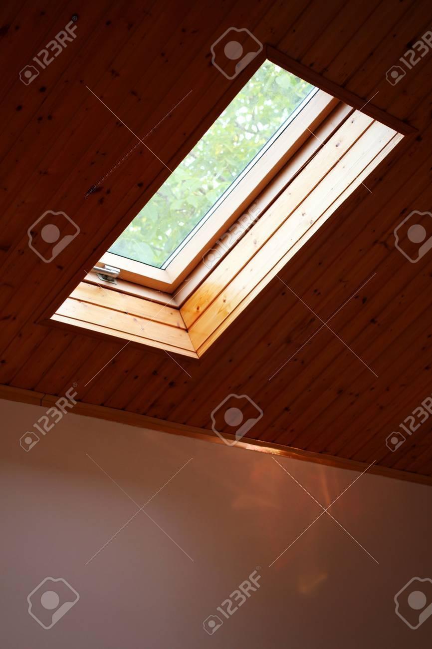 Roof skylight wooden window - 60221468